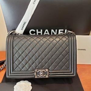 Chanel New Medium Boy bag